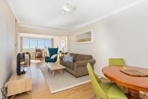 Studio 311 with ocean views, Apartments  Fremantle - big - 6