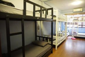 Bed in 10-Bed Mixed Dormitory Room (A)