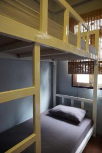 Bed in 10 -Bed Mixed Dormitory Room (B)