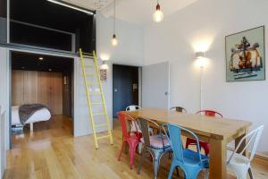 Modern, Design 1 Bed apt sleeps 4 in Waterloo, Apartmanok  London - big - 6