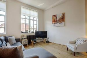 Modern, Design 1 Bed apt sleeps 4 in Waterloo, Apartmanok  London - big - 10