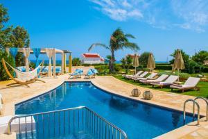 Azzuro Villa with private pool