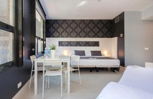 Standard Quadruple Room with City View