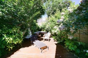 Beautiful 4 Bed House w/Garden in North London, Apartmanok  London - big - 22