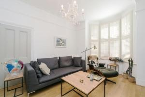 Beautiful 4 Bed House w/Garden in North London, Ferienwohnungen  London - big - 17