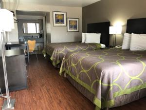 Super 8 by Wyndham San Antonio Downtown / Museum Reach, Motely  San Antonio - big - 3