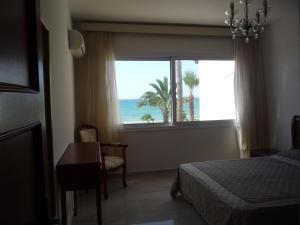 Sandy Beach Apartment 13, Apartments  Voroklini - big - 10