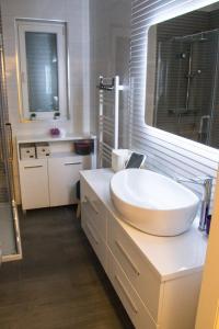 Apartment Lambasa, Apartmanok  Vodice - big - 28