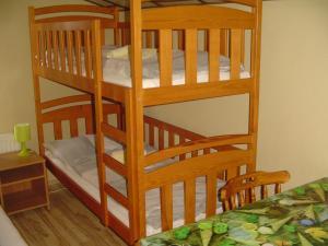 Vierbettzimmer mit Bad und Balkon