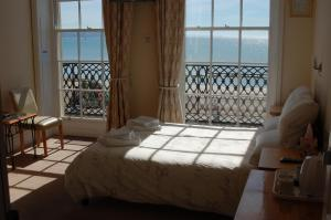 The Edenhurst Guesthouse, Bed & Breakfast  Weymouth - big - 76
