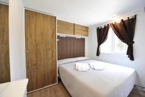 Camping Bella Italia, Комплексы для отдыха с коттеджами/бунгало  Пескьера-дель-Гарда - big - 9
