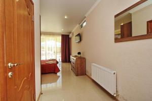 Hotel Lotos, Hotels  Kabardinka - big - 35