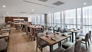 AC Hotel by Marriott Montreal Downtown, Hotels  Montréal - big - 23