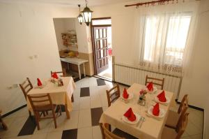 Rooms Family Glumac, Гостевые дома  Езерца - big - 44