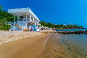 Flores Garden Beach Residence, Apartmány  Chernomorets - big - 41
