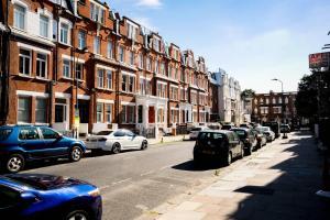 Luxury Top Floor Home In West Kensington W/Terrace, Apartments  London - big - 40