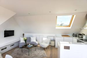 Luxury Top Floor Home In West Kensington W/Terrace, Апартаменты  Лондон - big - 10