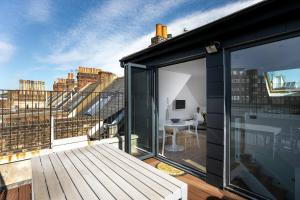 Luxury Top Floor Home In West Kensington W/Terrace, Apartments  London - big - 18