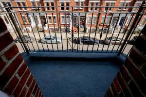 Luxury Top Floor Home In West Kensington W/Terrace, Apartments  London - big - 17