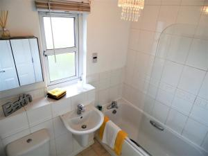 SSA - Brambling House, Holiday homes  Coatbridge - big - 48