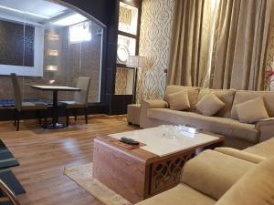 Taj Al Fakhama, Chalet  Khamis Mushayt - big - 14