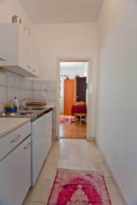 Vila Skocidjevojka, Apartmanok  Petrovac na Moru - big - 22