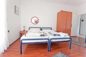Vila Skocidjevojka, Apartmanok  Petrovac na Moru - big - 26