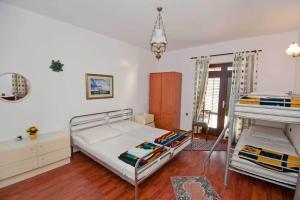 Vila Skocidjevojka, Apartmanok  Petrovac na Moru - big - 61