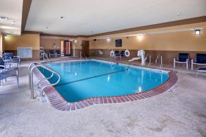 Hampton Inn & Suites Buda, Отели  Буда - big - 46