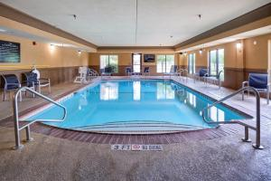 Hampton Inn & Suites Buda, Отели  Буда - big - 47