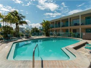 Bay Esplanade Condo 673-10, Apartments  Clearwater Beach - big - 4