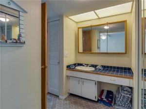 Poinsettia Condo 611-1, Апартаменты  Клеруотер-Бич - big - 7