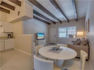 Baymont Condo 59-3, Apartments  Clearwater Beach - big - 9