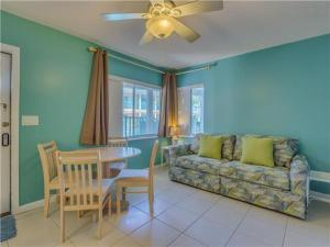 Bay Esplanade Condo 673-10, Apartmány  Clearwater Beach - big - 8