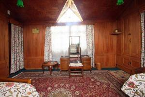 Houseboat for a group in Sri Nagar, by GuestHouser 23967, Hotels  Srinagar - big - 26