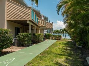 Bay Esplanade Condo 673-10, Apartments  Clearwater Beach - big - 9