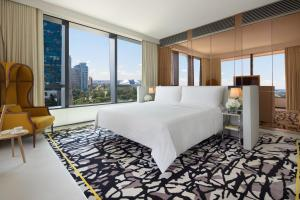Premier King Suite with Executive lounge access