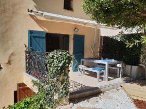 Pool & View Village Villa, Виллы  Méounes-lès-Montrieux - big - 3