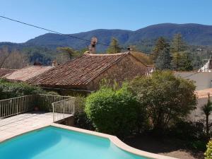 Pool & View Village Villa, Виллы  Méounes-lès-Montrieux - big - 14