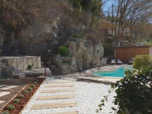 Pool & View Village Villa, Виллы  Méounes-lès-Montrieux - big - 34
