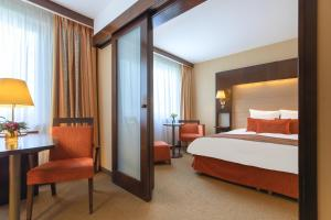 Junior Suite with Privilege Service  (3 Adults)