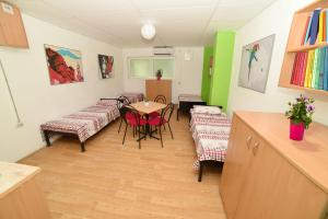 HILJADNIKOV Apartments, Hostels  Štip - big - 4