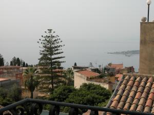 Teatro Greco Balcony Apartment - AbcAlberghi.com