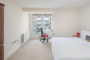 Modern 3 Bed, 2 Bath flat w/Garden in East Acton, Apartmány  Londýn - big - 15