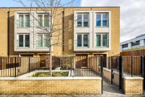 Modern 3 Bed, 2 Bath flat w/Garden in East Acton, Ferienwohnungen  London - big - 1