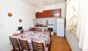Apartment Miljenko, Apartments  Novalja - big - 44