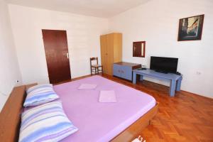 Apartment Miljenko, Apartments  Novalja - big - 53