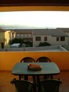Sweet apartment with sea view - AbcAlberghi.com