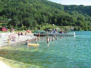 Apartmani Bosnjak, Ferienwohnungen  Pluzine - big - 4