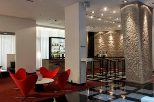 Hilton Madrid Airport (2 of 69)